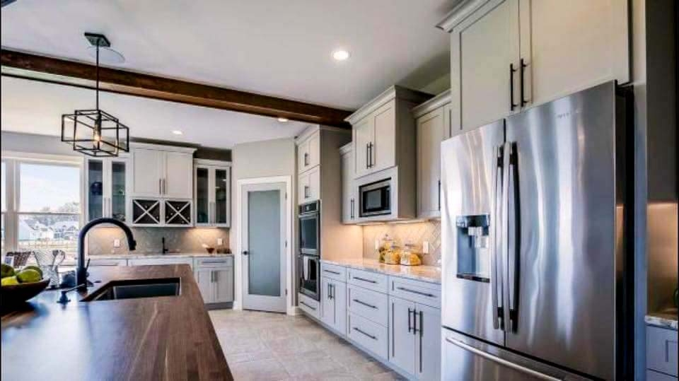 Simple and Clean_Cabinet Impressions_Zach Meeker_Dakota_Pewter_Island White_4_190606EDIT.jpg
