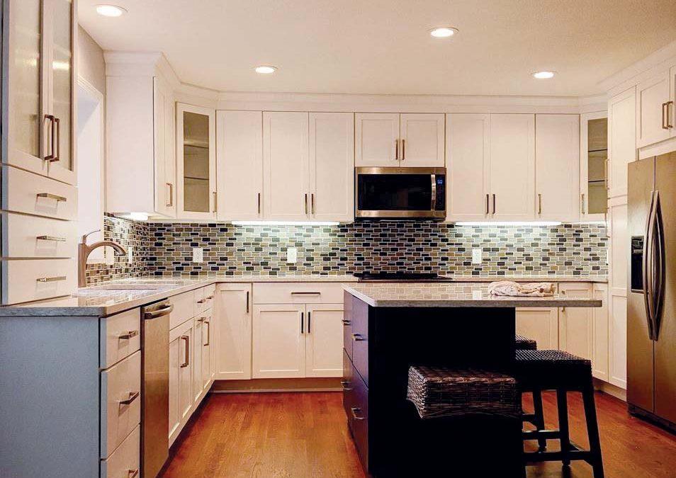 Simple and Clean_Cabinet Impressions_Zach Meeker_Dakota_Tru White_Island Tru Blue_190606EDIT.jpg